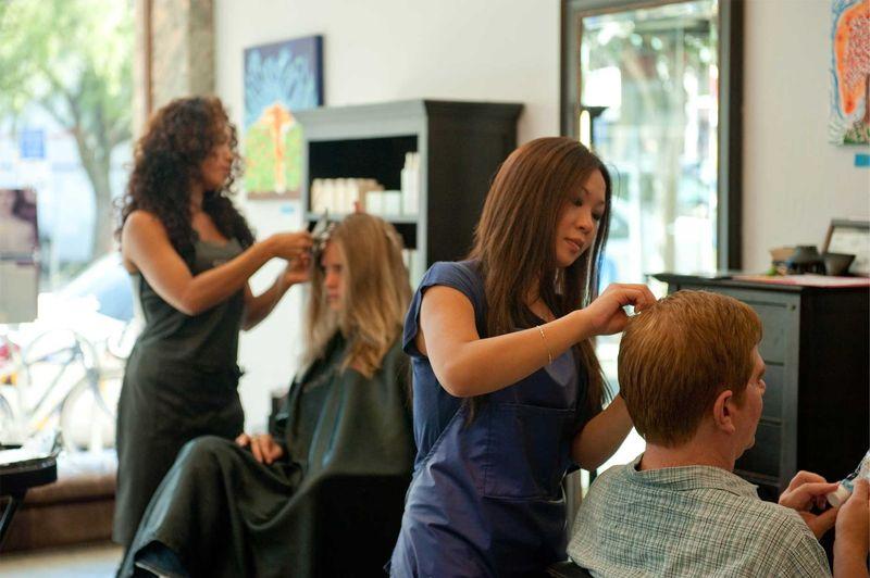 Где и чему учат на курсах обучения парикмахеров