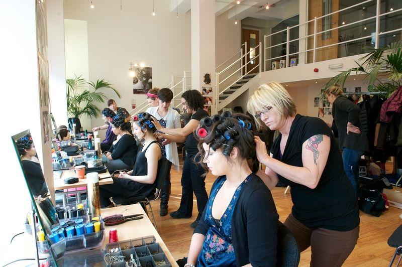 Где и чему учат на курсе (образования) парикмахеров