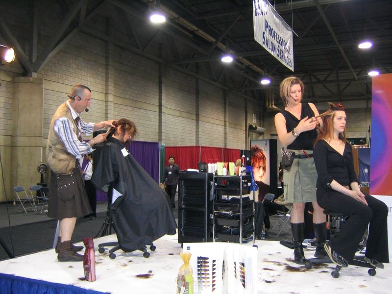 Где и что нужно для обучения в школе парикмахеров
