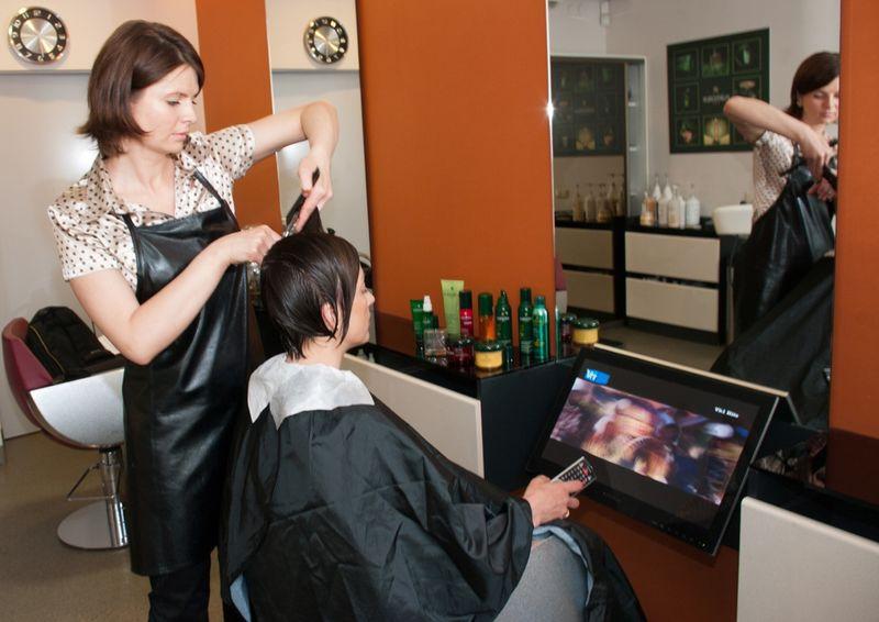 Где найти и как выбрать школу парикмахеров.