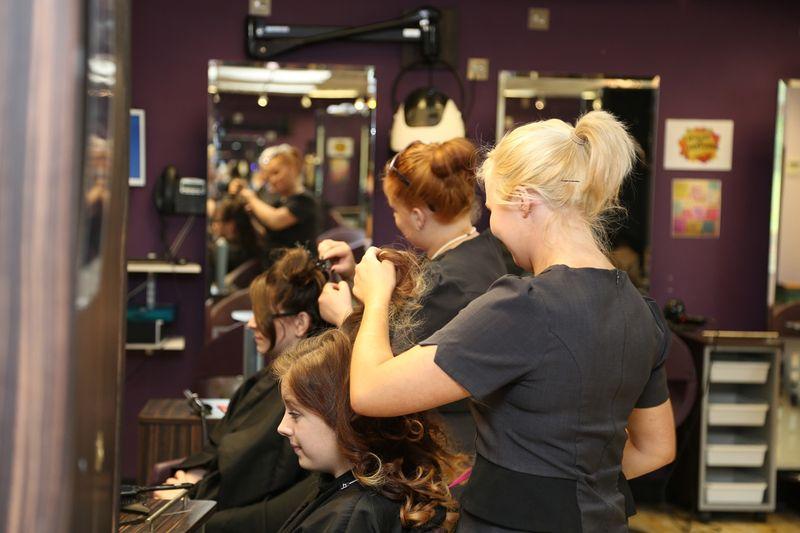 Как и где окончить, закончить школу парикмахеров