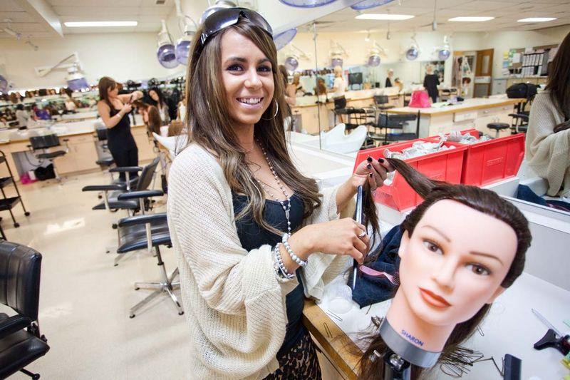 Школа парикмахеров - как найти, где окончить.